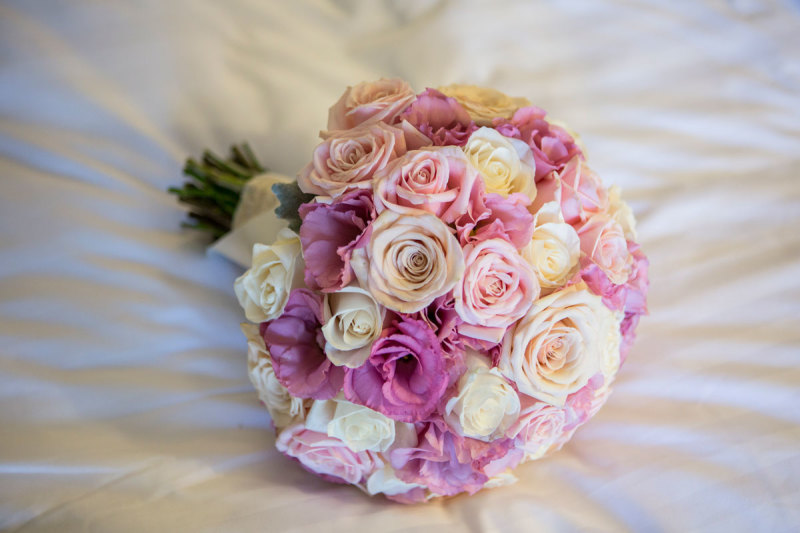 Rose and Lisianthus wedding bouquet